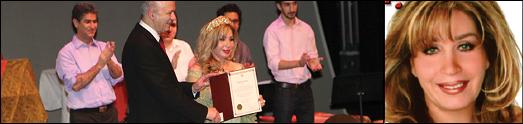 شهلا سرشار خواننده پرطرفدارمردم، تقدیرنامه ارزشمندی از دست شهردار ایرانی اونتاریو دکتر رضا مریدی دریافت کرد