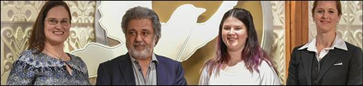 اهدای جایزه حقوق بشر به داریوش اقبالی، در جشن ۷۰ سالگی اعلامیه حقوق بشر