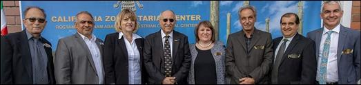 مراسم نصب و پرده برداری از تندیس کورش کبیر در مرکز فرهنگی زردشتیان کالیفرنیا برگزار شد