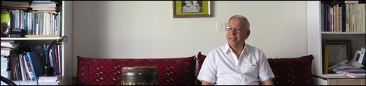 عبدالله ناظمی، با قلم وکاغذ- تنبک و بالش